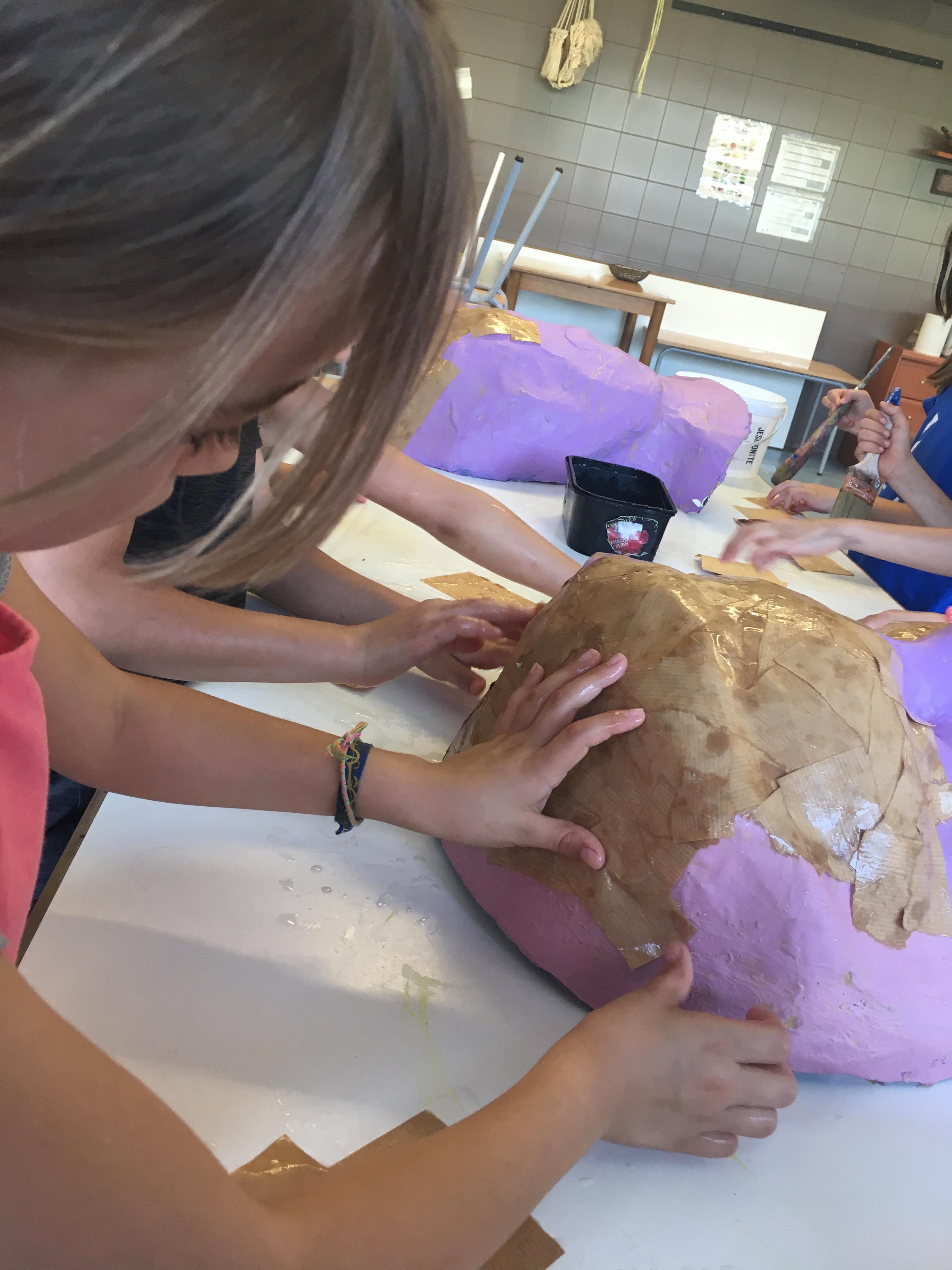 S'inicien els tallers de cultura popular a les escoles de primària dins l'any de la capitalitat cultural