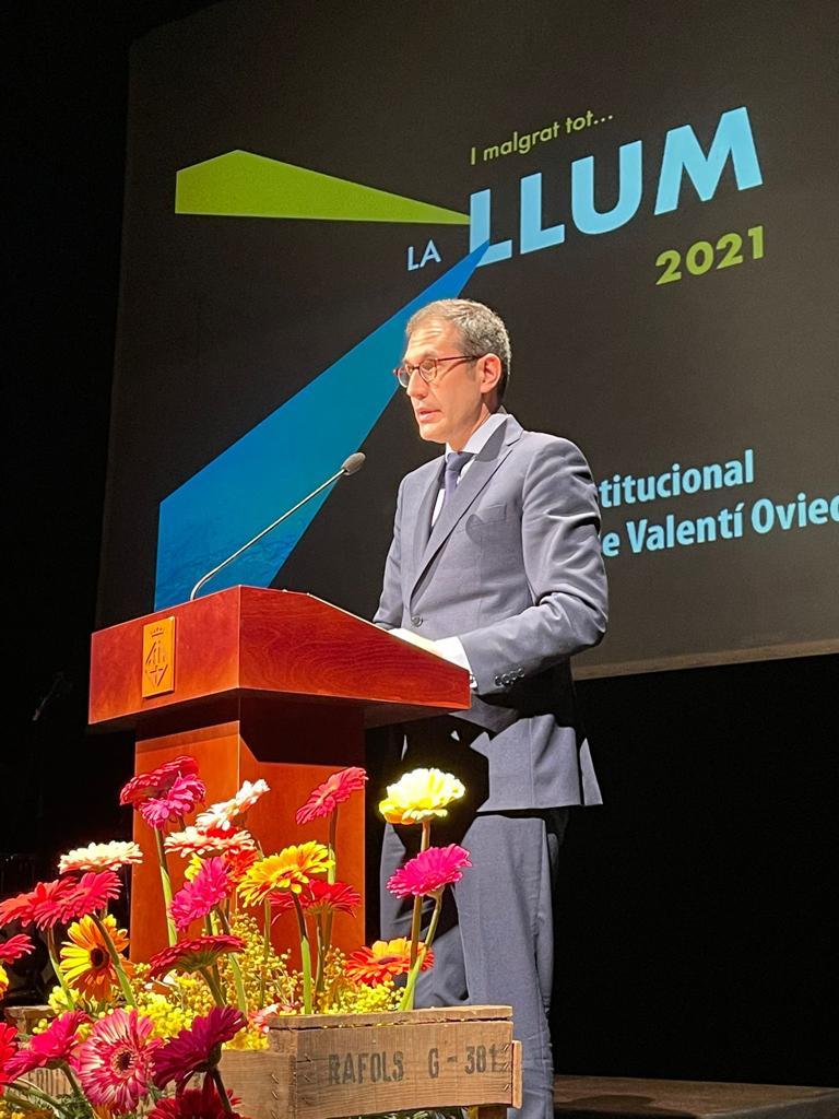 Valenti Oviedo defensa la cultura per a tothom i lloa el model de treball d'El Galliner a Manresa en el pregó de la Llum