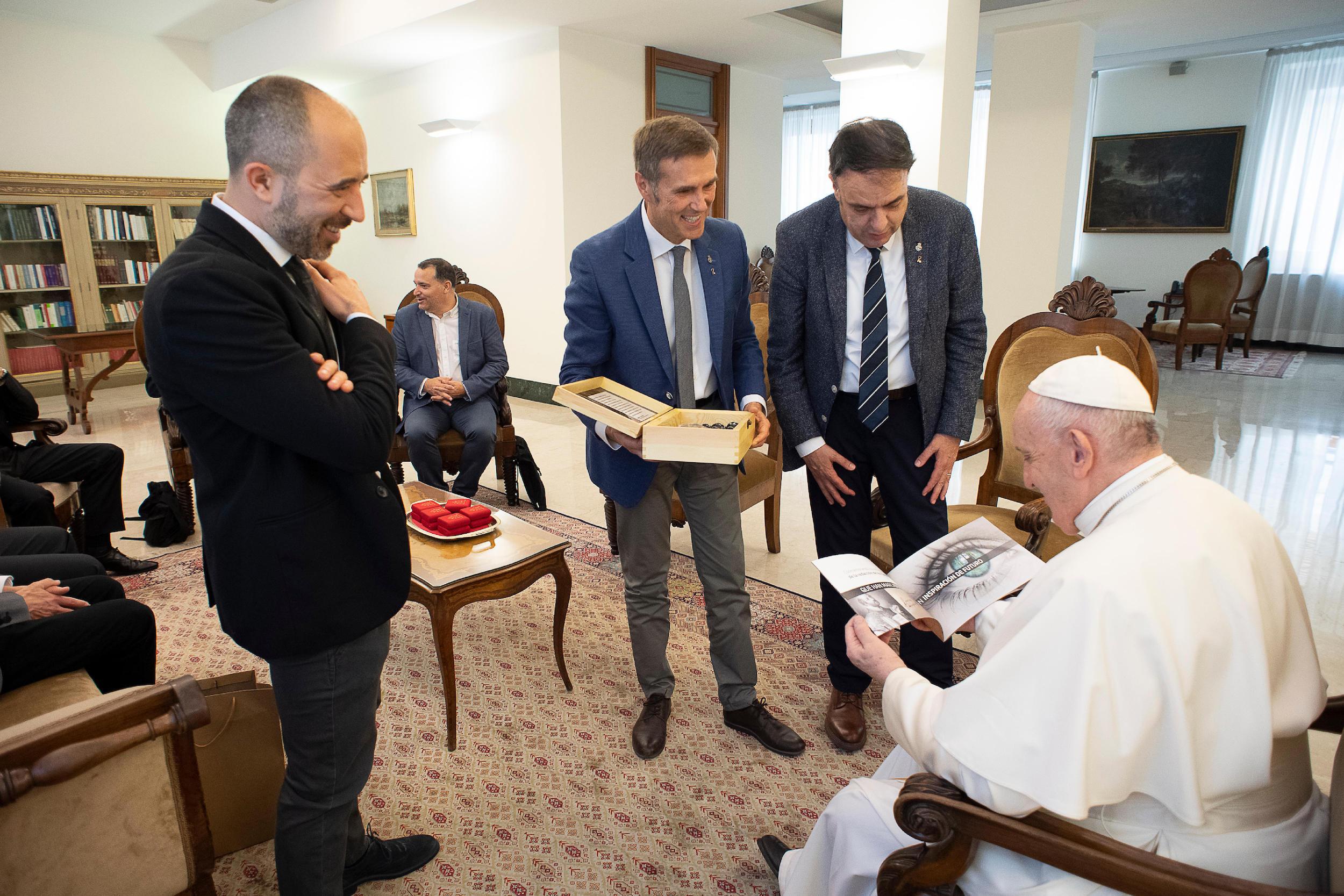 Manresa 2022 rep una embranzida notable amb el gran ressò obtingut en la visita de la delegació de Manresa al Papa Francesc i el seu suport al projecte