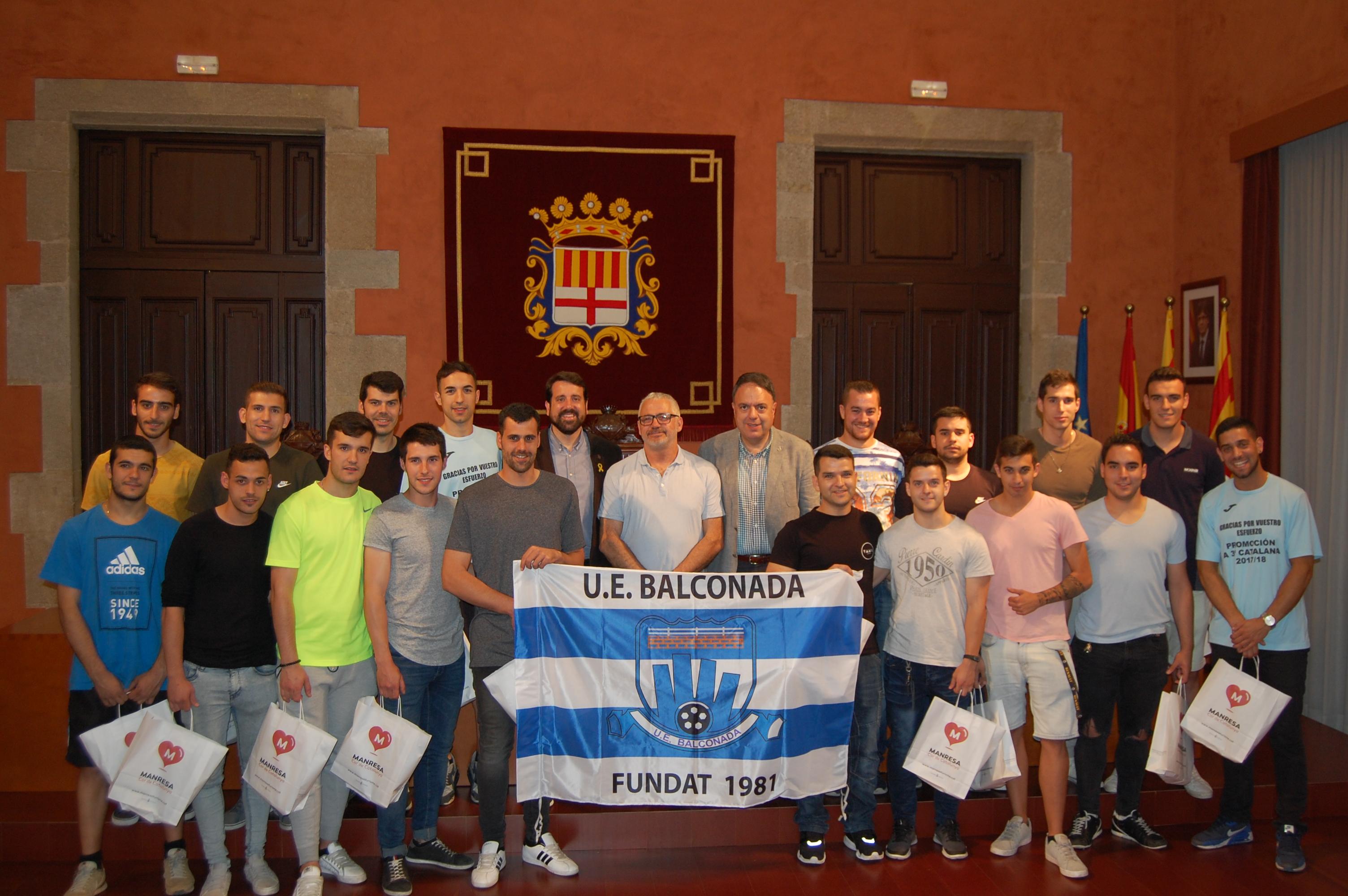 Recepció a l'Ajuntament de l'equip UE Balconada per assolir l'ascens a Tercera Catalana