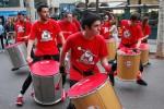 L'Ajuntament de Manresa ofereix un taller de percussió de carrer als alumnes de primer d'ESO per promoure el coneixement de la cultura popular